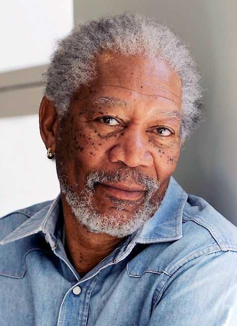 De-ce-poart-mereu-Morgan-Freeman-un-cercel-de-aur-n-ureche2.jpg