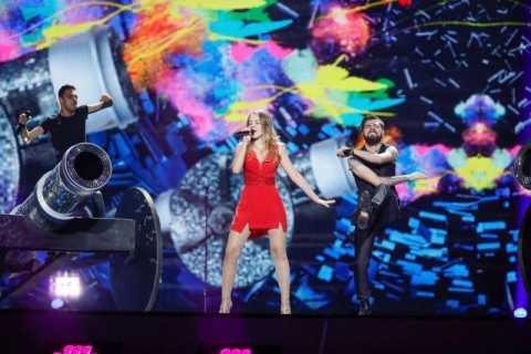 Ilinca-si-Alex-Florea-pe-scena-EUROVISION-2017-800x533.jpg