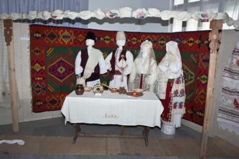 muzeul-etnografic-tulcea-2013-2-696x464.jpg